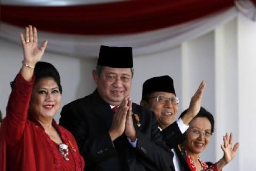 Presiden SBY bersama Ibu Negara, Ani Bambang Yudhoyono.