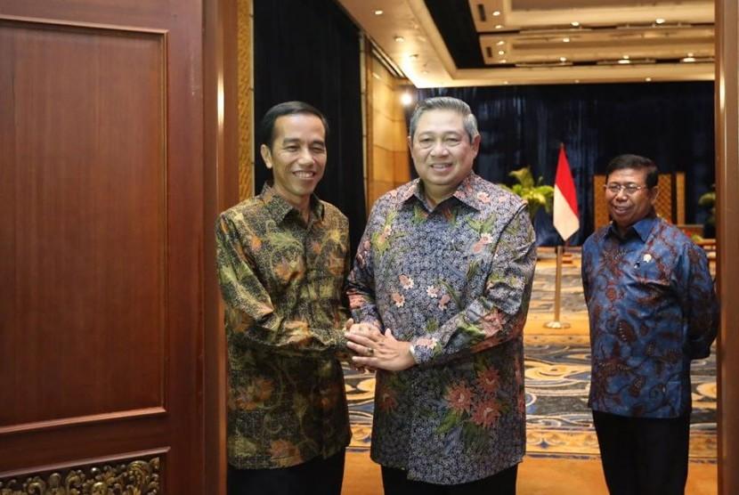 Presiden SBY dan Jokowi.