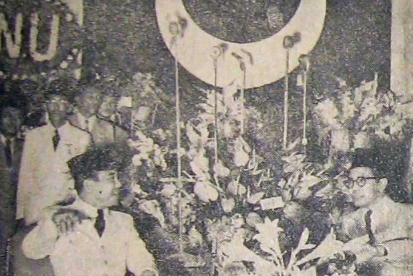 Presiden Sukarno menghadiri konvensi Partai Masyumi.