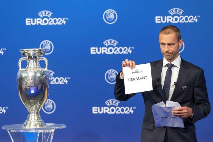 Presiden UEFA Aleksander Ceferin mengumumkan Jerman sebagai tuan rumah Piala Eropa 2024, Kamis (27/9).