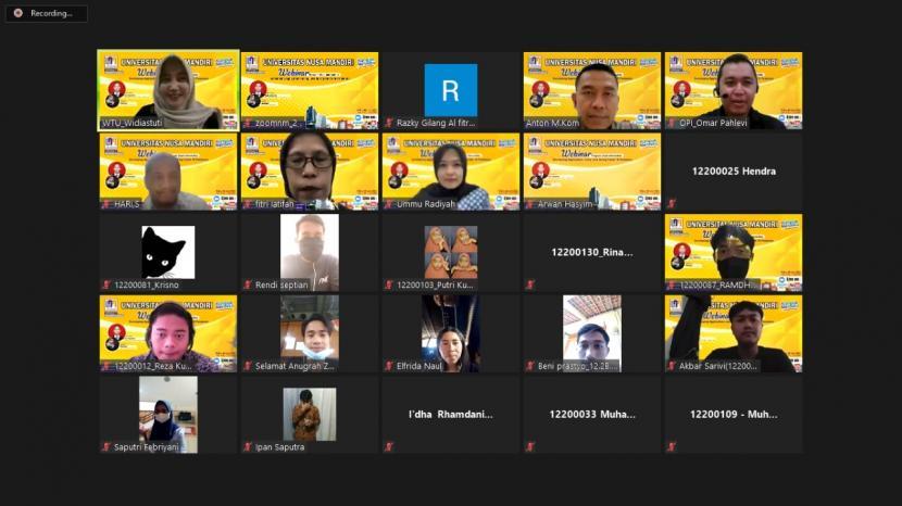 Prodi Informatika Universitas BSI (Bina Sarana Informatika) menggelar webinar pemrograman, Rabu (9/6).