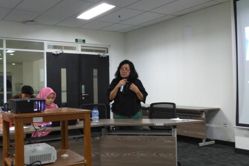 Prof Dr Endang L Achadi yang memberikan materi 'Kesehatan dan Gizi pada 1000 Hari Pertama Kehidupan' dalam Journalist Goes to Campus di Fakultas Kesehatan Masyarakat Universitas Indonesia (FKM UI) beberapa waktu lalu.