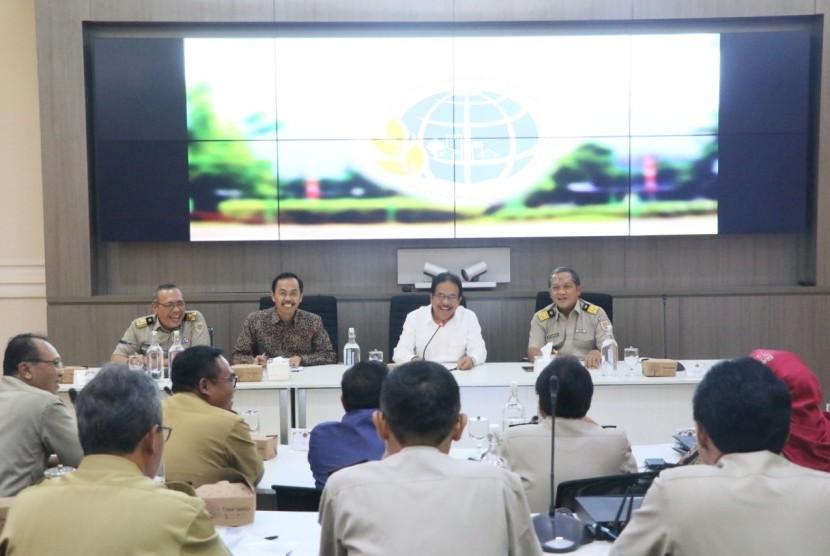 Program Prioritas Pendaftaran Tanah Sistematis Lengkap (PTSL) merupakan tanggung jawab  Kementerian Agraria dan Tata Ruang/Badan Pertanahan Nasional (ATR/BPN) yang akan terus digencarkan sampai dengan tahun 2025.