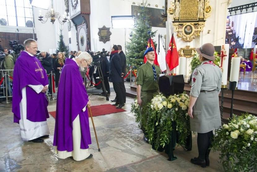 Prosesi pemakaman Wali Kota Gdansk, Polandia, Pawel Adamowicz pada Sabtu (19/1).