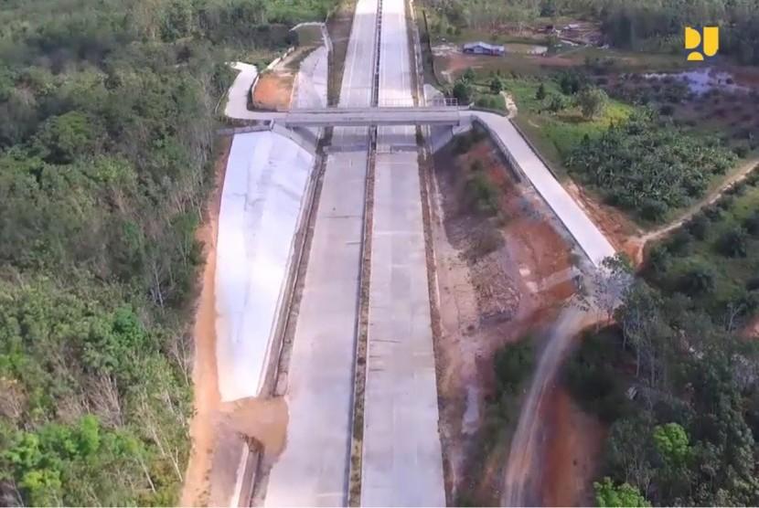 Proyek jalan tol Balikpapan-Samarinda
