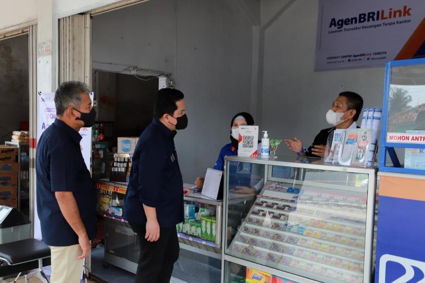 PT Bank Rakyat Indonesia (Persero) Tbk atau BRI terus berkomitmen untuk memberdayakan pelaku usaha di segmen UMKM. Fokus BRI memberdayakan UMKM tersebut tidak terlepas dari kontribusi segmen ini pada perekonomian nasional, dimana 99 persen struktur ekonomi Indonesia berasal dari UMKM