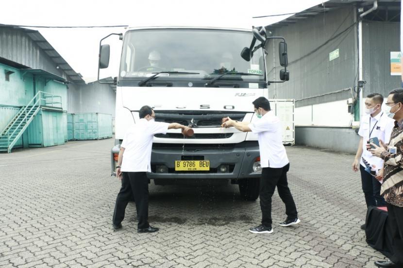 PT Bhanda Ghara Reksa (Persero) atau BGR Logistics meluncurkan layanan jasa Trans Logistics Jawa dan Sumatera di BGR Logistics Divre Kelapa Gading, Jakarta, Kamis (17/6).