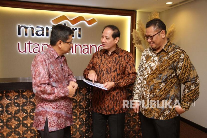 PT Mandiri Utama Finance menggelar Rapat Umum Pemegang Saham (RUPS) di Menara Mandiri, Jakarta, Rabu, (14/3).