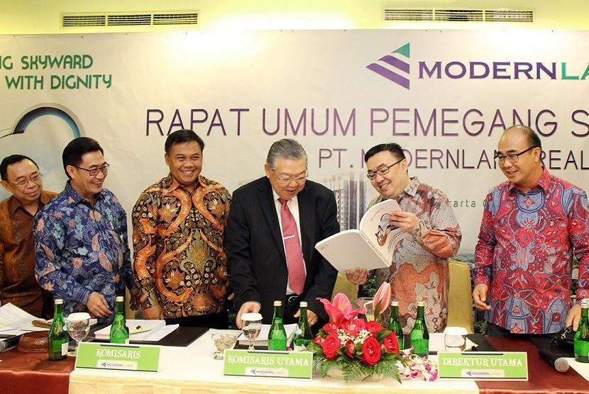 PT Modernland Realty Tbk (MDLN) menggelar Rapat Umum Pemegang Saham Tahunan (RUPST) di Jakarta, Jumat (25/5) yang dihadiri seluruh jajaran komisaris dan direksi perseroan.