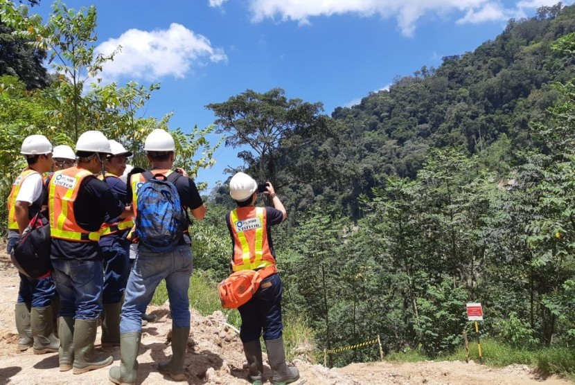 PT NSHE is reviewing the construction site of the Batang Toru Hydroelectric Power Plant, Sitandiang, South Tapanuli.