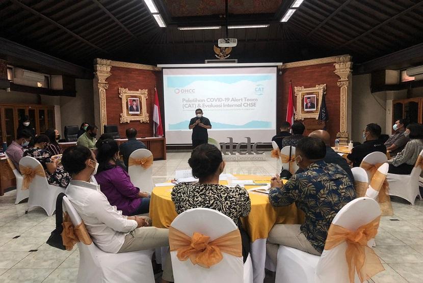 PT Pengembangan Pariwisata Indonesia (Persero)/ Indonesia Tourism Development Corporation (ITDC), BUMN pengembang dan pengelola kawasan pariwisata di Indonesia, terus meningkatkan inisiatif dalam mempersiapkan kawasan The Nusa Dua menyambut pembukaan kembali pariwisata Bali khususnya bagi wisatawan mancanegara. Inisiatif terbaru yang dilakukan ITDC adalah membentuk COVID-19 Alert Team (CAT) bekerjasama dengan One Health Collaboration Center (OHCC) Udayana.