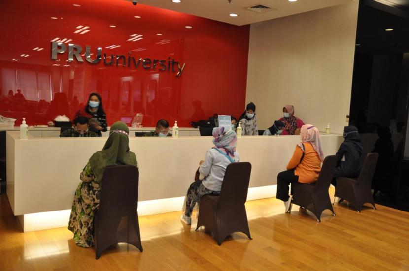 PT Prudential Life Assurance (Prudential Indonesia) kembali menduduki peringkat pertama Million Dollar Round Table (MDRT) 2021. Peringkat ini berhasil diperoleh karena kepemilikan 1.940 anggota jaringan konsultan finansial yang profesional dan berkelas dunia.