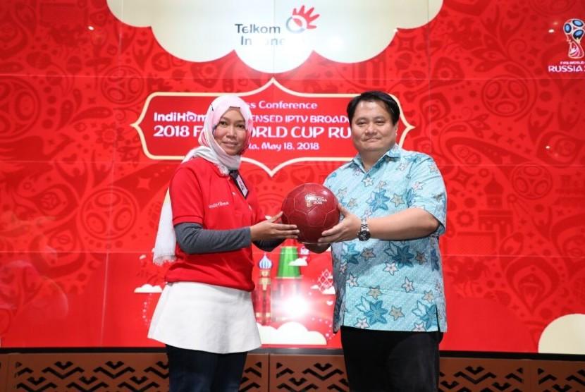 PT Telkom Indonesia (Persero) Tbk (Telkom) melalui layanan IndiHome menyiarkan langsung rangkaian pertandingan Piala Dunia 2018.