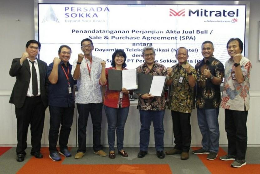 PT Telkom Indonesia (Persero) Tbk (Telkom) mengakuisisi perusahaan menara PT Persada Sokka Tama (PST).
