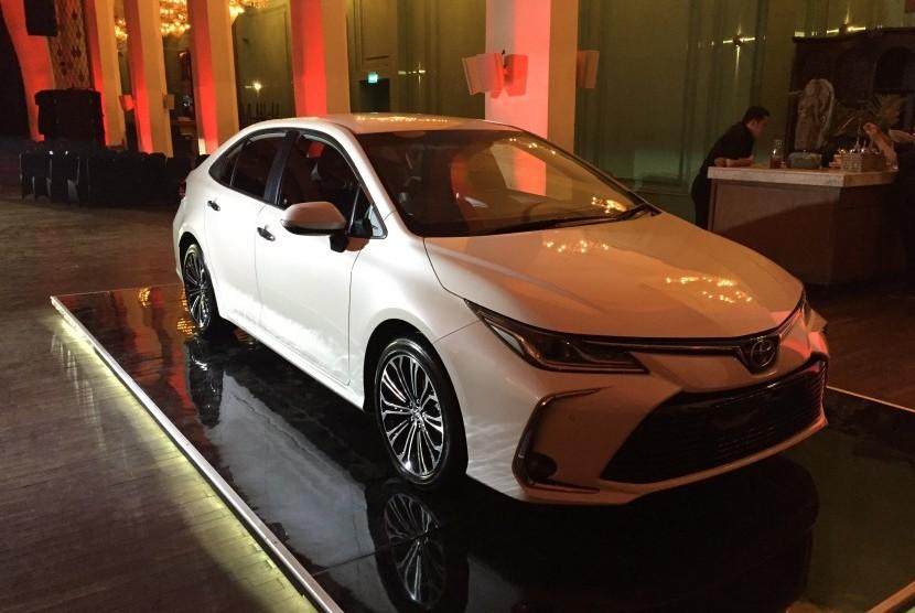 PT Toyota Astra Motor (TAM) meluncurkan All New Corolla Altis di  Jakarta pada Kamis (12/9).