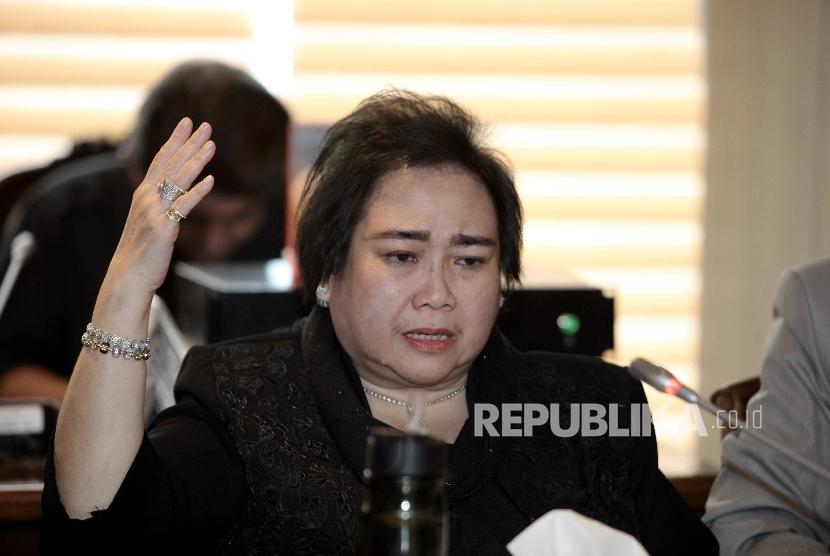 Rachmawati Soekarnoputri bersama tim kuasa hukumnya saat menemui Wakil Ketua DPR Fadli Zon di ruang rapat Pimpinan, Nusantara III, Komplek Parlemen MPR/DPR-DPD, Senayan, Jakarta Pusat, Selasa (10/1).