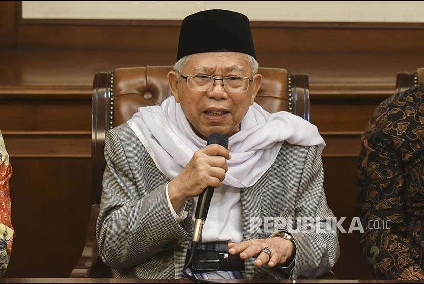 Rais 'Aam PBNU Ma'ruf Amin memberikan keterangan pers di gedung PBNU, Jakarta, Kamis (9/8).
