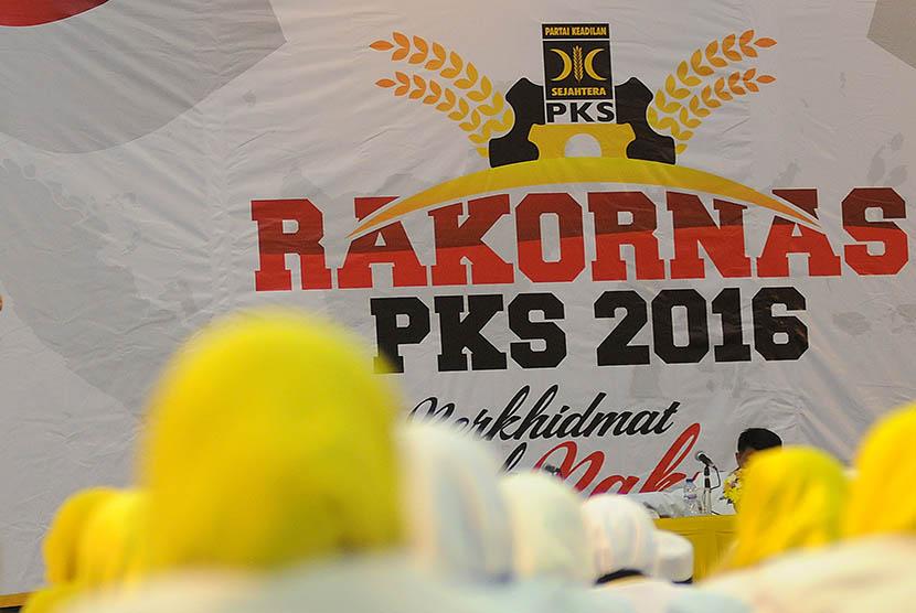 Rakornas PKS di Depok, Jawa Barat, Selasa (12/1).