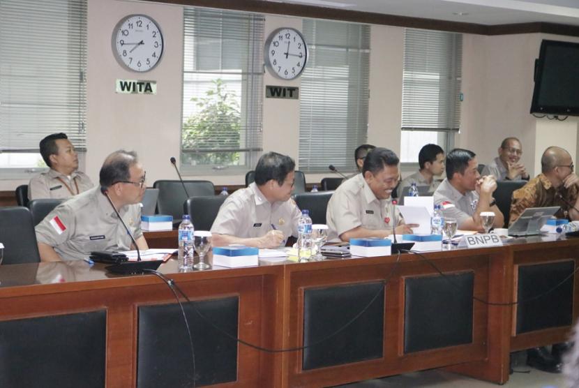 Rapat Dengar Pendapat (RDP) antara Komite II DPD RI dengan Badan Nasional Penanggulangan Bencana (BNPB), Rabu (28/11).