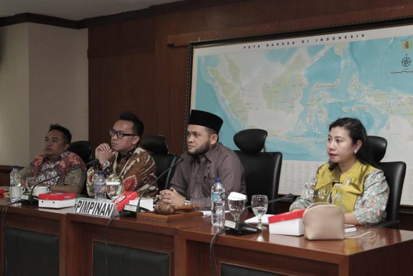 Rapat Dengar Pendapat (RDP) Komite III DPD RI dengan Dirjen Penyelenggaraan Haji dan Umroh Nizar Ali di Ruang Rapat Komite III DPD RI, Senayan Jakarta, Rabu (10/10).