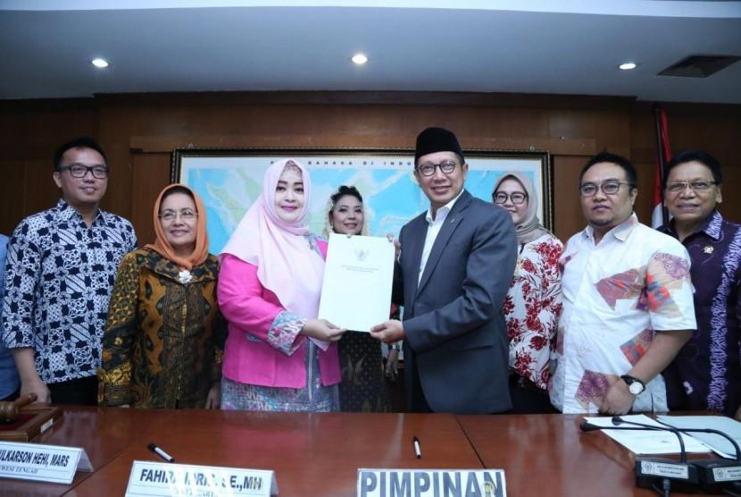Rapat kerja DPD dengan Menteri Agama tentang haji.