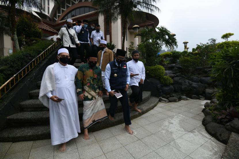 Masjid Atta'awun, Kecamatan Cisarua, Kabupaten Bogor