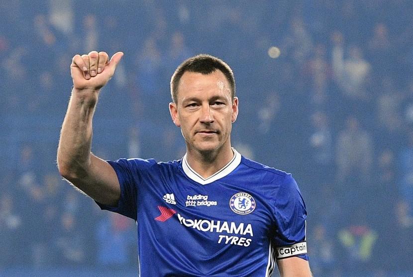 Reaksi kapten Chelsea, John Terry seusai laga Liga Primer lawan Watford di Stamford Bridge, Selasa (16/5) dini hari WIB. Chelsea menang 4-3.