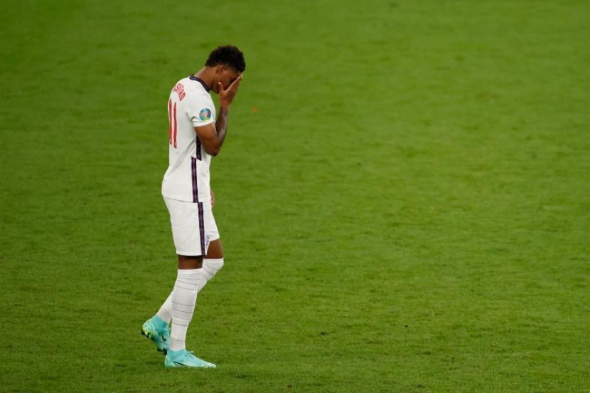 Kalah di Final Euro 2020, Tim Inggris Terkena Rasisme | Republika Online