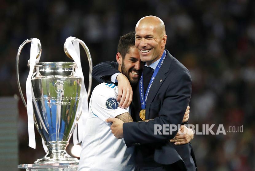 Real Madrid berhasil mempertahankan gelar juara Liga Champions setelah mengandaskan Liverpool dengan skor 3-1 pada laga final Liga Champions 2017/2018 di stadion NSK Olimpiskiy, Kiev, Ukraina, Ahad (27/5).