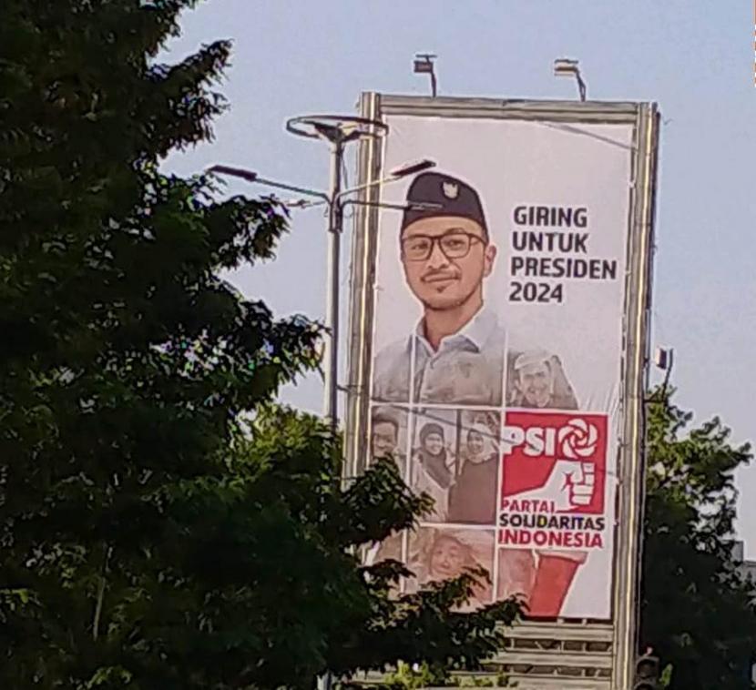 Reklame politikus PSI Giring Ganesha Jumaryo di Jalan Warung Buncit, Jaksel.