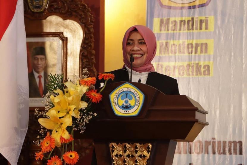 Rektor baru Universitas Dr. Soetomo (Unitomo) Surabaya Siti Marwiyah.
