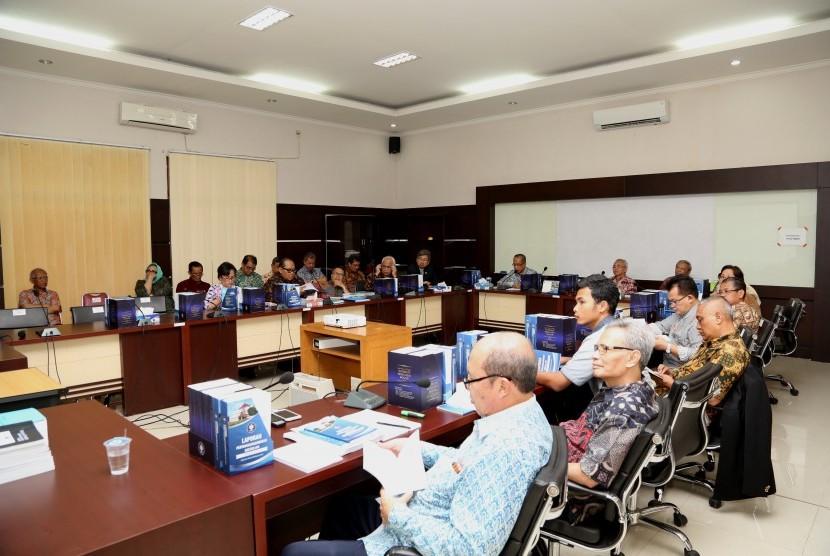 Rektor IPB Herry Suhardiyanto menyampaikan laporan pertanggungjawaban masa bakti 2012-2017.