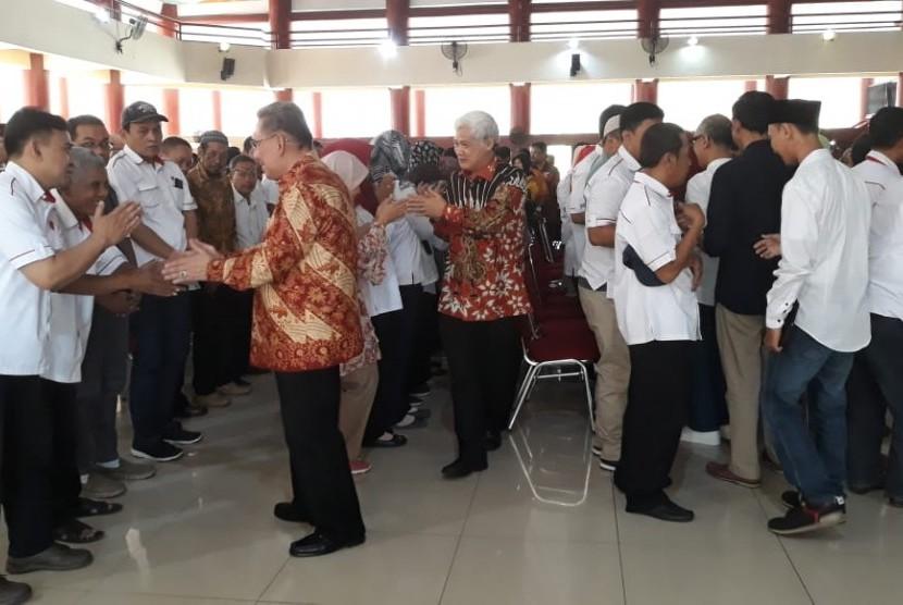 Rektor Ukris, Dr H Abdul Rivai saat Halal Bi Halal di Gedung Pendopo Unkris, Jatiwaringin, Bekasi, Rabu (12/6).