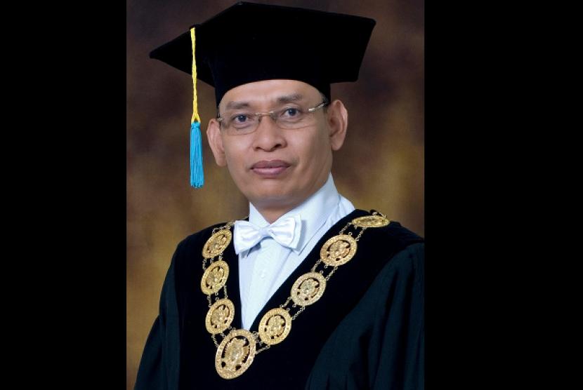 Rektor Unair Surabaya Prof Mohammad Nasih