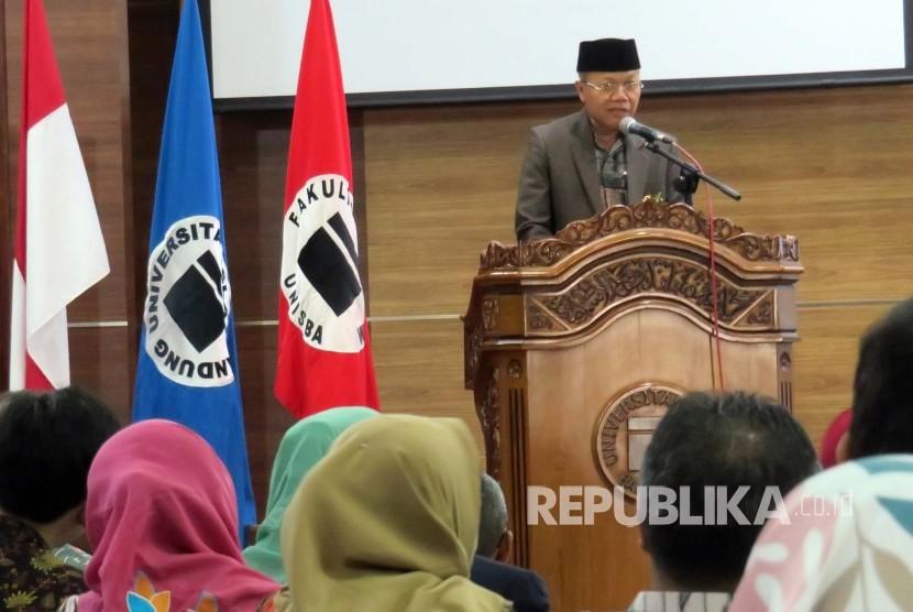 Rektor Universitas Islam Bandung (Unisba) Prof Edi Setiadi