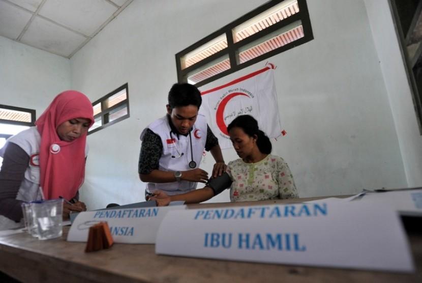 Relawan Bulan Sabit Merah Indonesia (BSMI)