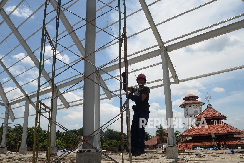Renovasi Masjid (ilustrasi)