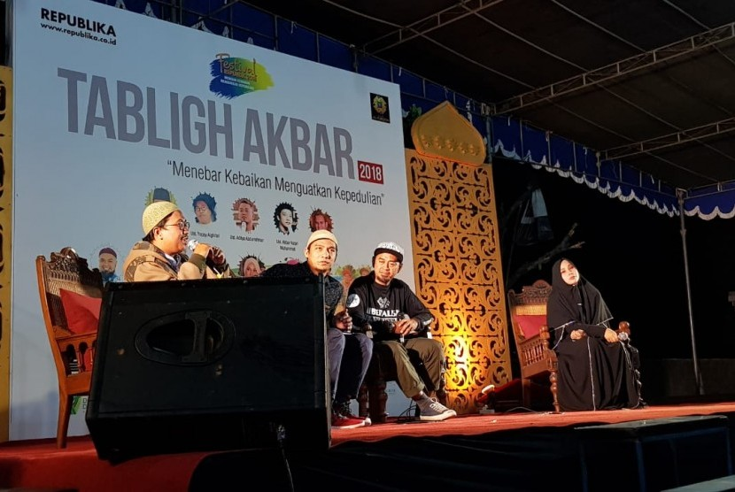 Republika menggelar 'Tabligh Akbar' yang kali ini diselenggarakan di Masjid Al Furqon, Nitikan Baru, Umbulharjo, Yogyakarta, Senin (31/12)