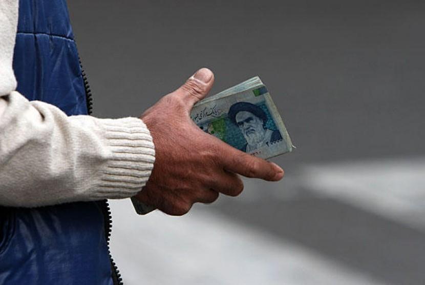 Rial Iran. Teheran menggunakan rial sebagai transaksi langsung antarnegara untuk menyiasati sanksi AS