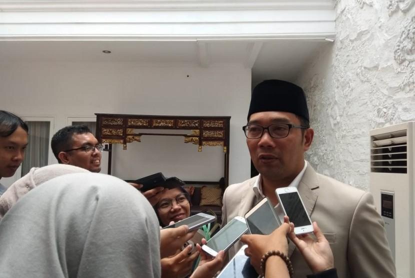 Ridwan Kamil usai menghadiri gelar griya di kediaman Ketua DPD RI Oesman Sapta Odang di Karangasem, Kuningan, Jakarta Selatan, Sabtu (16/6).
