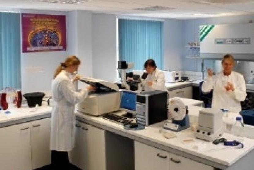 Riset kanker di sebuah laboratorium (ilustrasi)