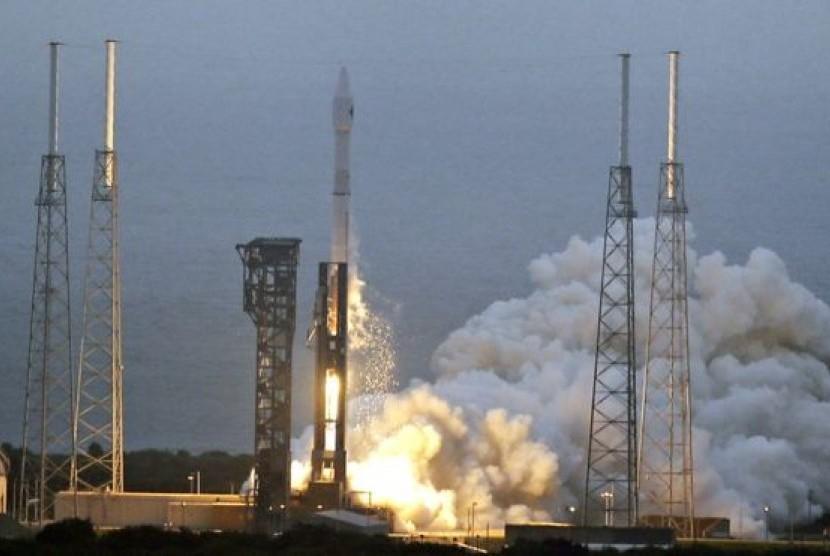 Roket Atlas-5 milik Aliansi Peluncuran Bersatu penuh muatan perbekalan dan peralatan percobaan ilmiah meluncur dari Florida pada Selasa (22/3), mendorong kapsul barang Orbital ATK ke Pangkalan Antariksa Internasional.