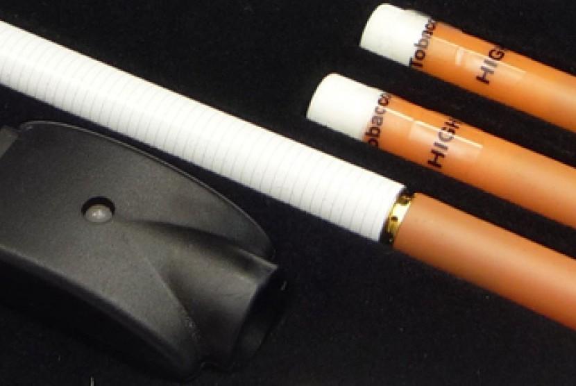 Siapa Bilang Rokok Elektronik Lebih Sehat?