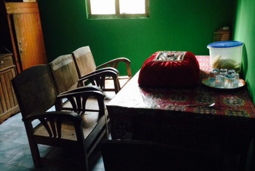 Ruang makan yang ada di dalam homestay desa wisata Nglanggeran