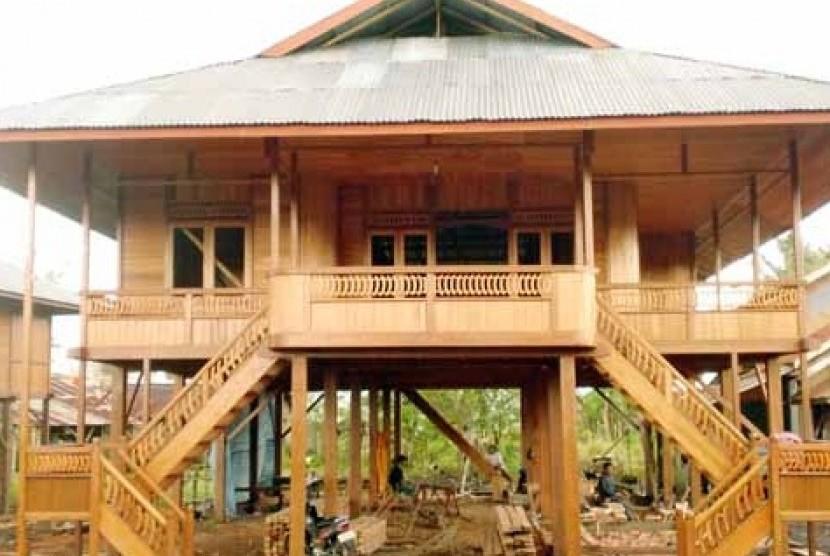 Kemendikbud Revitalisasi 15 Rumah Adat Dan 7 Desa Adat Republika