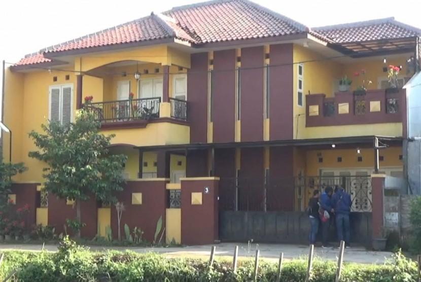 Rumah Kalapas Sukamiskin, Wahid Husein di Bojongsoang, Kabupaten Bandung, Senin (23/7).