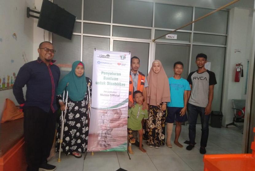 Rumah Zakat berikan kaki palsu untuk penerima manfaat di Medan.