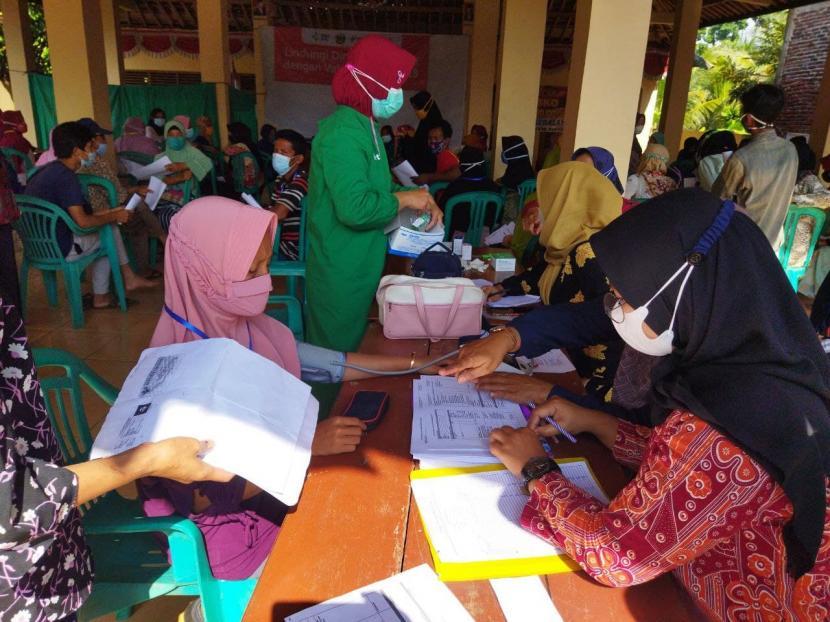 Rumah Zakat bersinergi dengan Puskesmas Kemranjen 2, Kabupaten Banyumas mengadakan Program Percepatan Vaksinasi yang difokuskan untuk masyarakat Desa Pageralang.