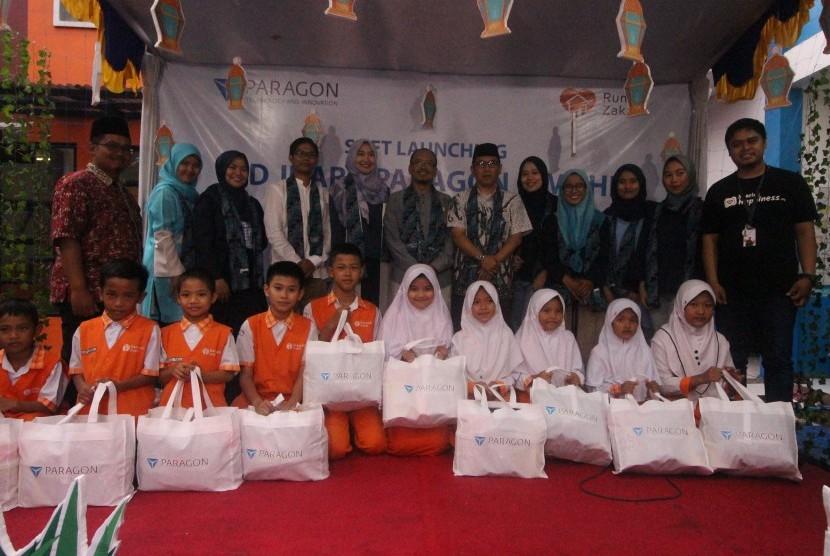 Rumah Zakat dan PT Paragon & Technologi Innovation merilis Sekolah Dasar untuk anak-anak kurang mampu dan dhuafa bernama 'SD Juara Paragon Cimahi'.