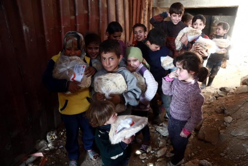 Rumah Zakat Distribusikan Roti di Ghouta Timur